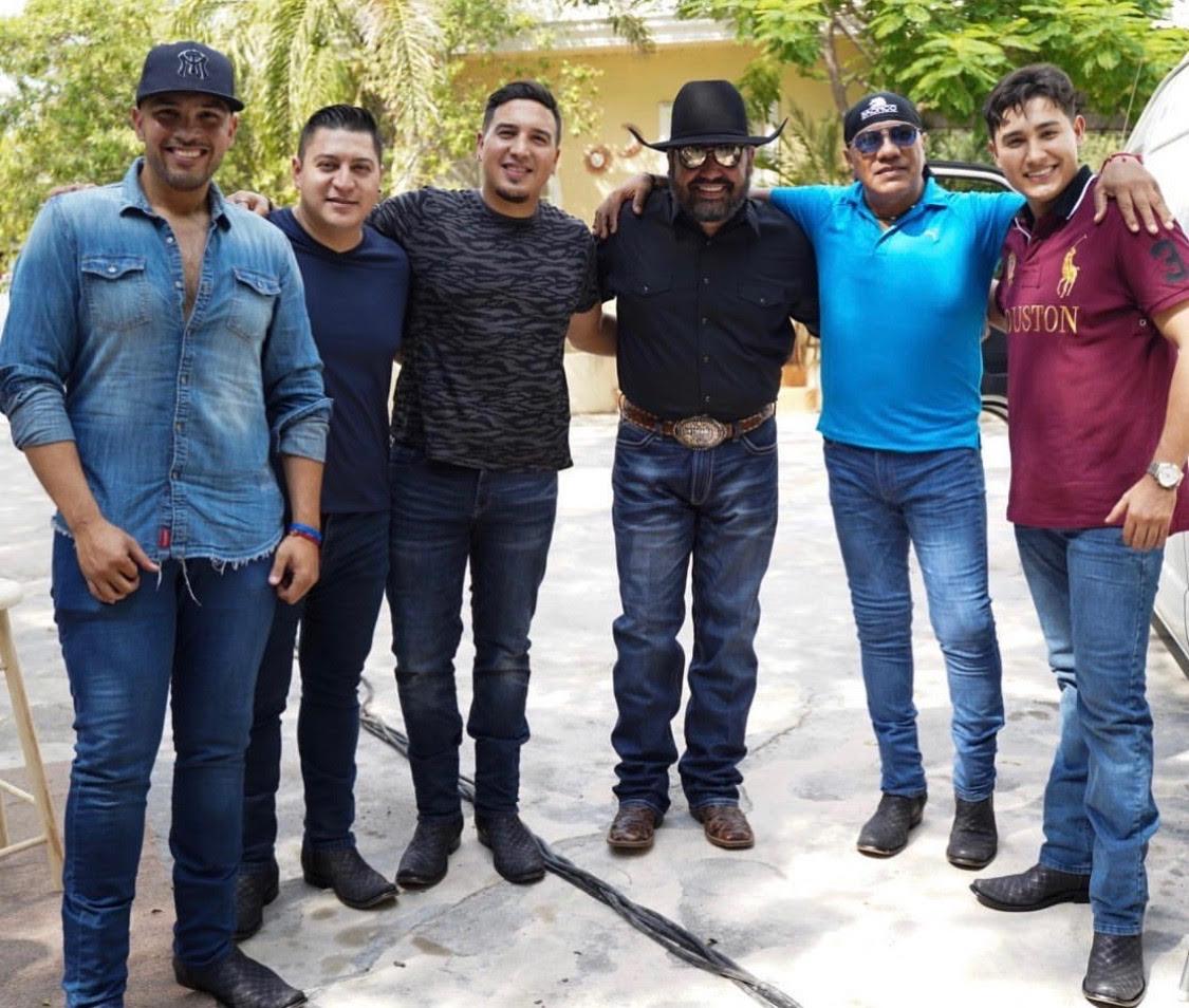 Bronco y Ricky Muñoz. Foto: Instagram