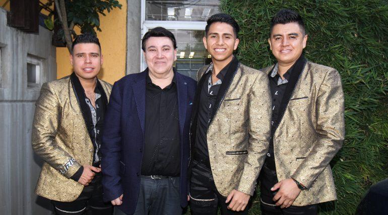 Banda Lirio y José Alfredo Jiménez. Foto: Edson Vázquez